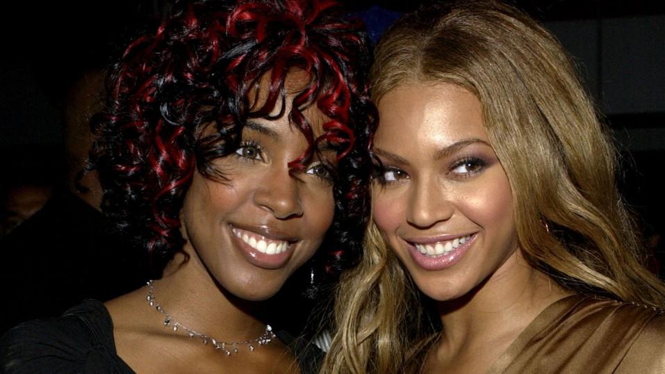 «Βασάνιζα το μυαλό μου», λέει η Kelly Rowland για τη συνύπαρξή της με την Beyoncé στο ίδιο συγκρότημα.