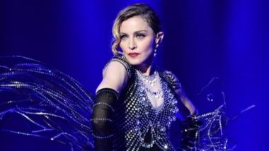 Η Madonna θα σκηνοθετήσει βιογραφική ταινία για τη ζωή της