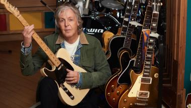 Ο Paul McCartney επιστρέφει στο No. 1 των βρετανικών charts μετά από 31 χρόνια